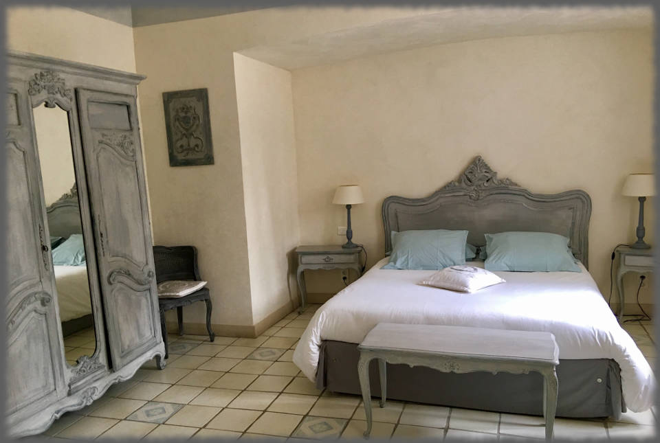 Bed and Breakfast Avignon - Les Bassaieres - Bed