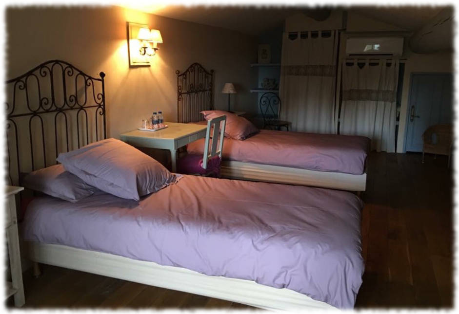 Bed and Breakfast Avignon - Suite La Farandole - Little Bed