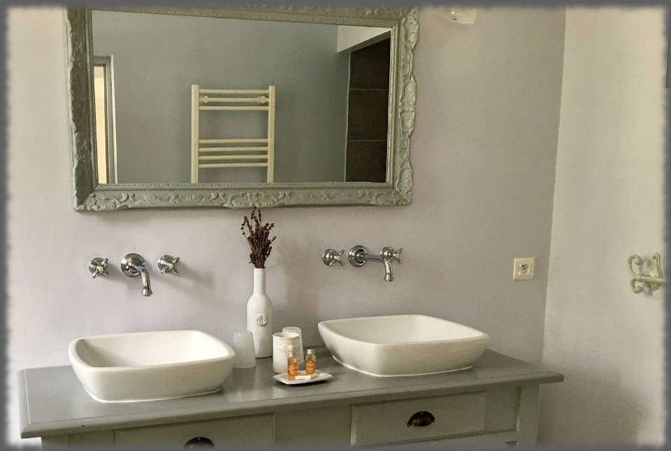 Bed and Breakfast - Les Bassaieres - Bathroom